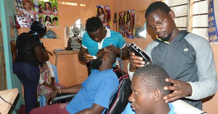 Friseursalon bringt Hoffnung