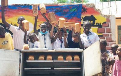 Brot für Kinder in Afrika